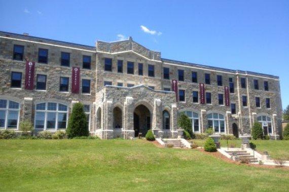 USA - Súkromná internátna škola v Massachusetts