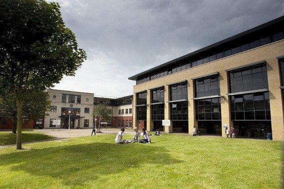 Veľká Británia - Stredná škola Sussex Downs College