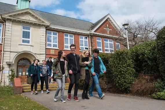 Stredná škola Itchen College
