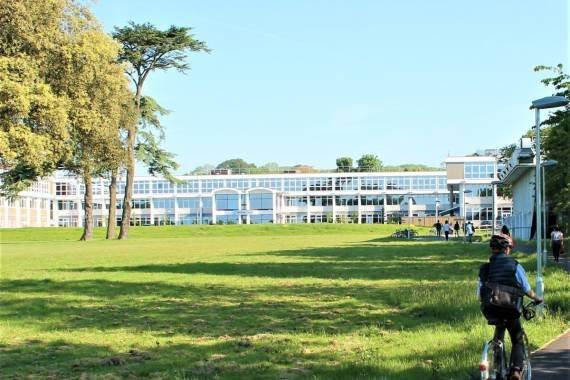 Stredná škola Worthing College